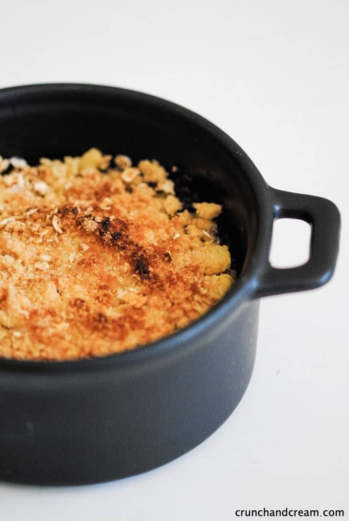 a dish of crumble